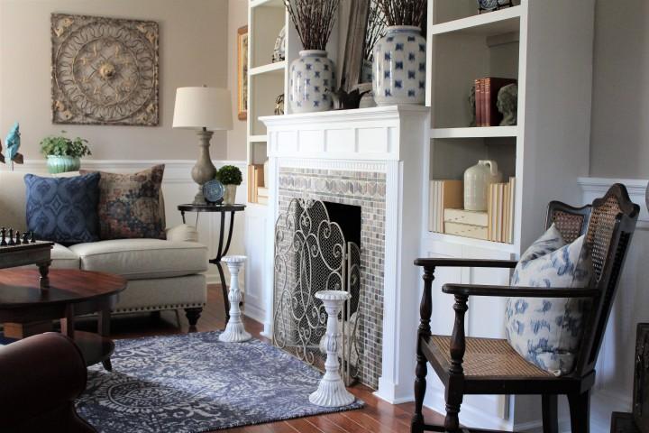 living room adj 4