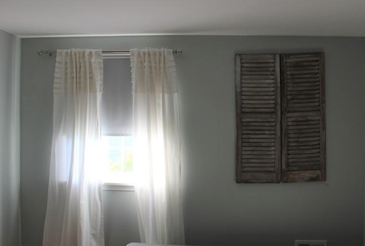 adj bedroom wall with faux window